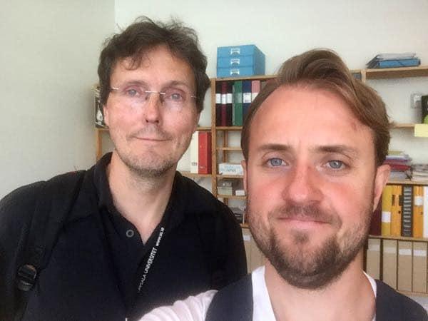 Tomas Furmark och Christian Dahlström i en av de poddar om social fobi som podcasten Sinnessjukt gjort